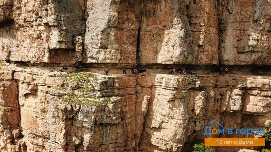 1 Орлиные полки в скале над Мезмаем (3)